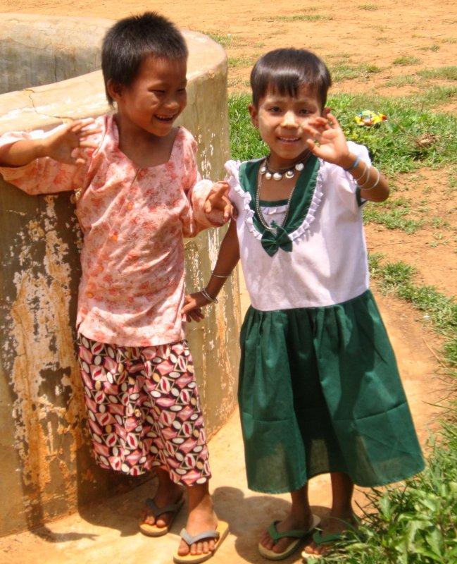 Intha tribe children