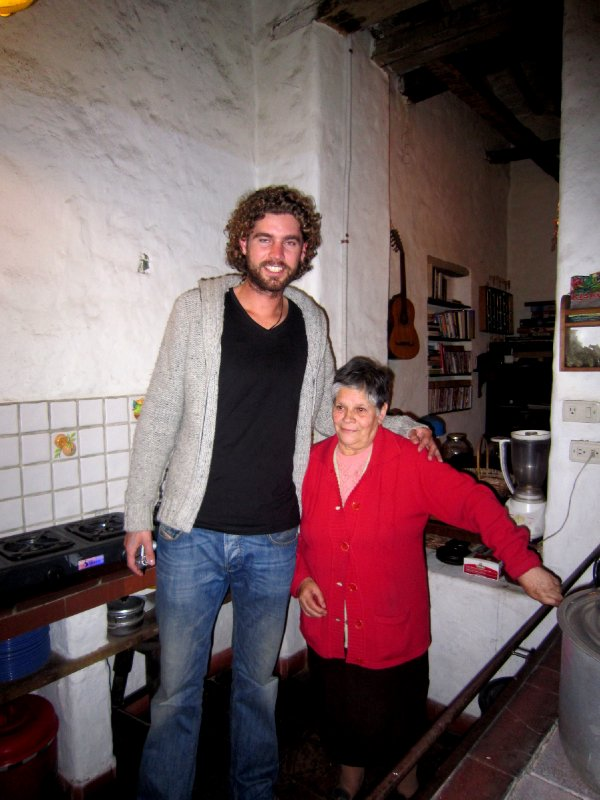 He was quite tall <img class='img' src='http://www.travellerspoint.com/Emoticons/icon_smile.gif' width='15' height='15' alt=':)' title='' />