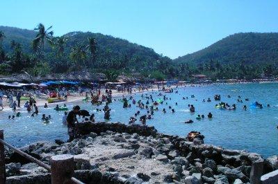 Z - La Gatas Beach during Mexican Holiday