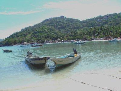 Las Gatas Boats