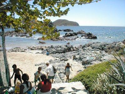 Playa La Ropa near La Casa Que Canta