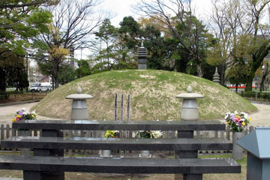 Atomic_Bom..l_Mound.jpg