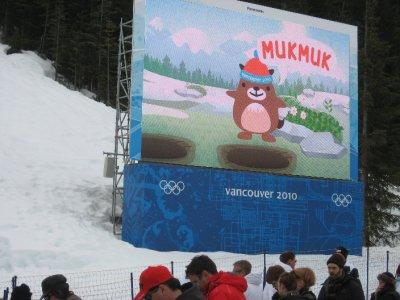Mukmuk on the gigantictron