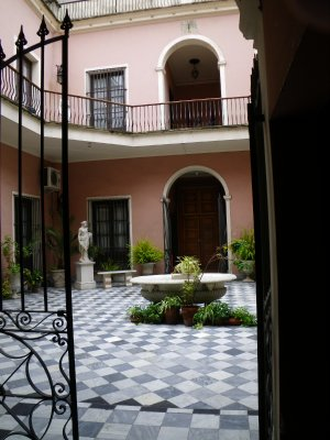 Courtyard of Museo Romantico