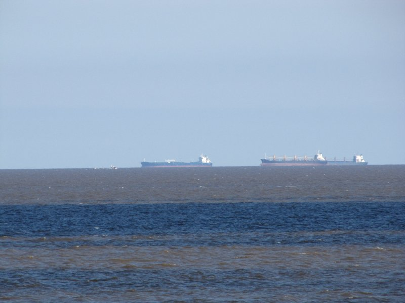 Shipping Traffic on the Rio de la Plata