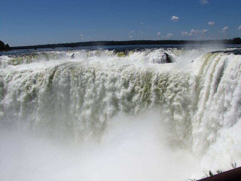 large_Iguazu_Falls_034.jpg