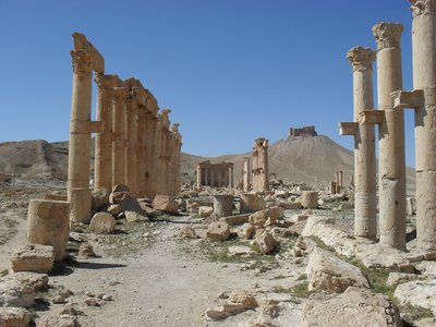 Palmyra, with Qua'alat Little in the background