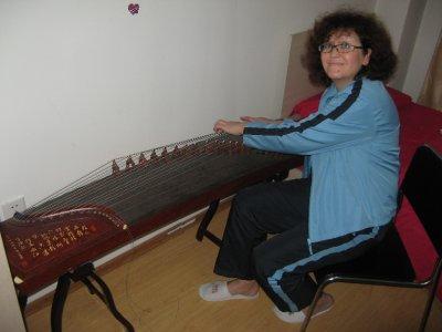 Mom playing guzheng 3