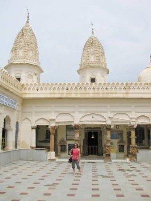 Me_at_Shri.._Temple.jpg