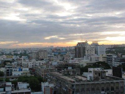 Overlooking_Hyderabad.jpg