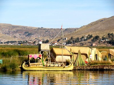 more_reed_boats.jpg