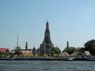 Wat-Arun-river