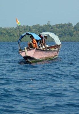 scuba-boat.jpg