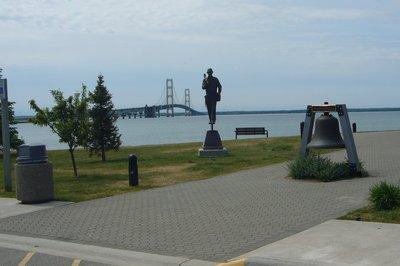 Monument_t.._bridge.jpg