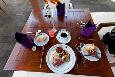 Manohara Hotel Breakfast