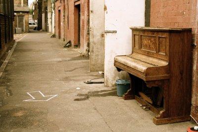 Abandoned Piano (?!)