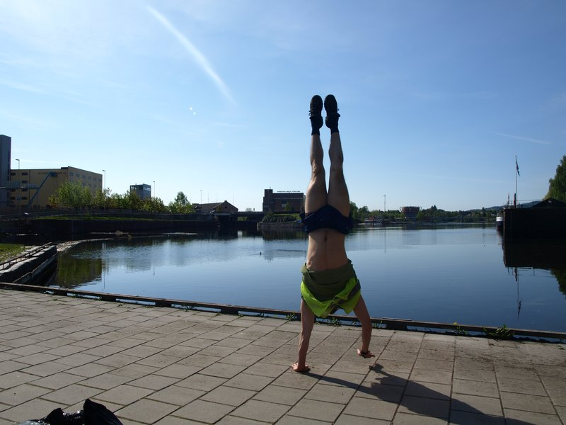 Handstanding in Skien