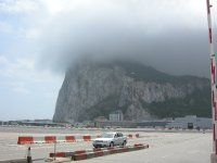 large_Gibraltar_..lugfeld.jpg