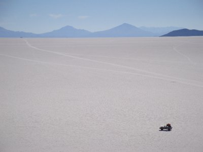 Broke down car in Salar de Uyuni