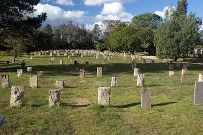 2014_Apr_2..se_Cemetery.jpg