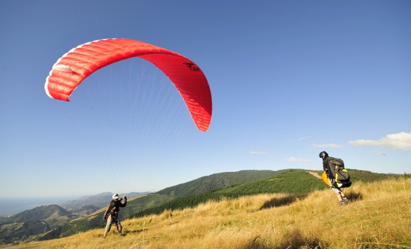 paragliding in Nelson
