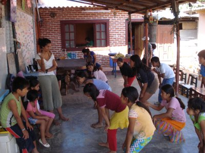 The first dance class at Luz del Mundo