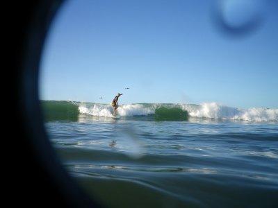 Henrik surfing
