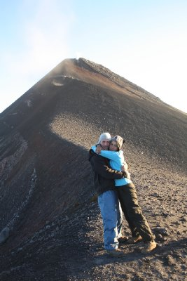 This was about as close as we dared to go to the volcano...besos