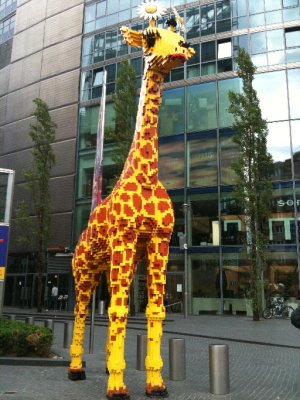 Lego Giraffe! Those whacky Berliners...