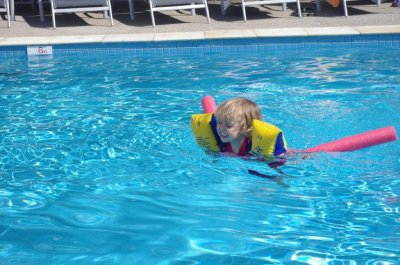 Nadia swimming all by herself