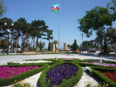 AZB10103_-..r__Baku.jpg