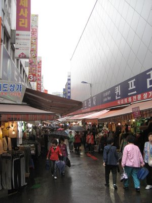 outdoor market in Namdaemoon.  bought some clothes w/ my mom for really cheap