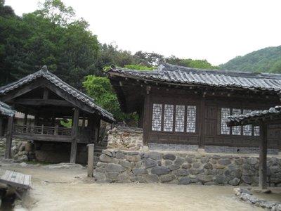 folk village set