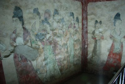 wall paintings in the grave