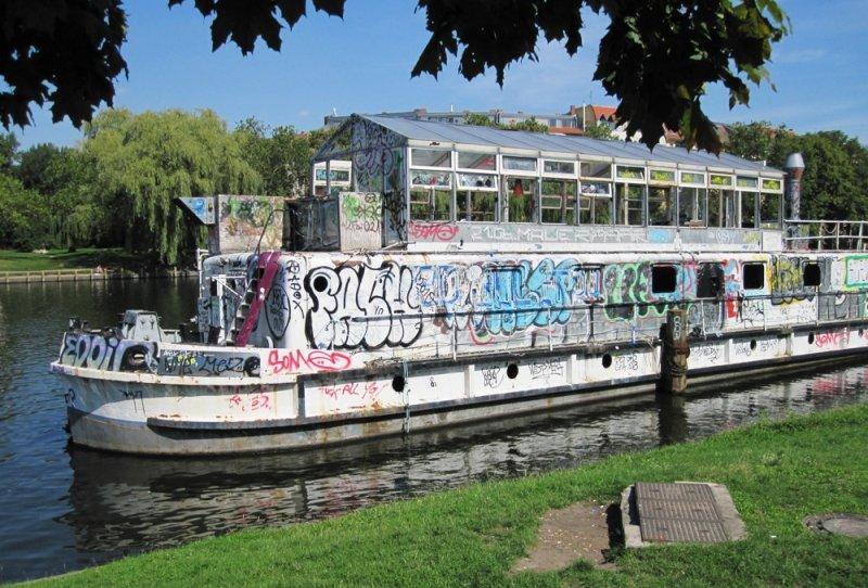 large_blog_berli..al_boat.jpg