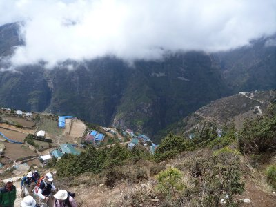 Hiking up from Namche