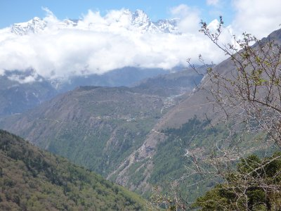 Valleys and Cliffs - Khumjung to Tengbouche