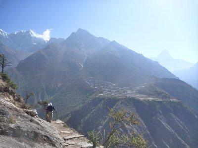 Along the trail (Gorak Shep-Lobuche-Pangboche)