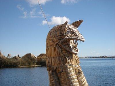 TIT - Uros boat dragon
