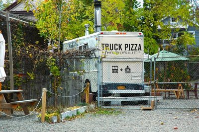 2012_Hudson_PizzaTruck_1.jpg