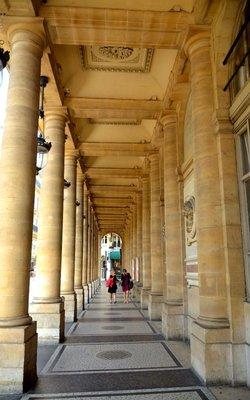2014_Paris_Arch_17.jpg