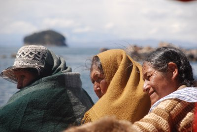 Local ladies on the boat to Isla Del Sol