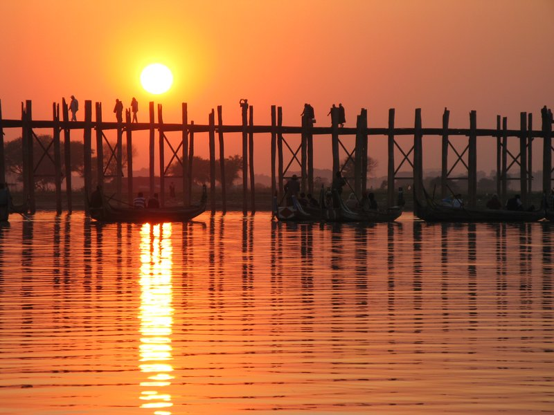 U Bein's Bridge at sunset