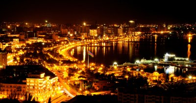 Baku_at_night.jpg