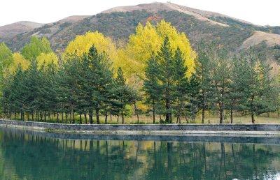 jermuk_autumn_lake.jpg