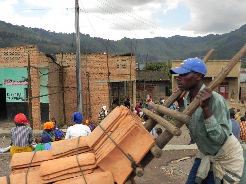 Road back to Kigali (12)