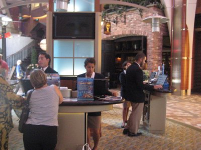 Shore Excursions desk
