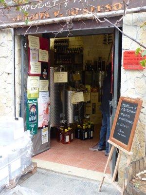 Bari_Wine_Shop.jpg