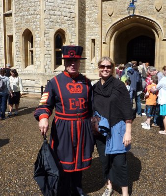 Liz_and_Beefeater.jpg