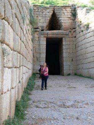 Mycenaen_Beehive_Tomb.jpg
